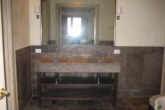 Monolitisches Waschbecken aus Kaesar Brown Stein