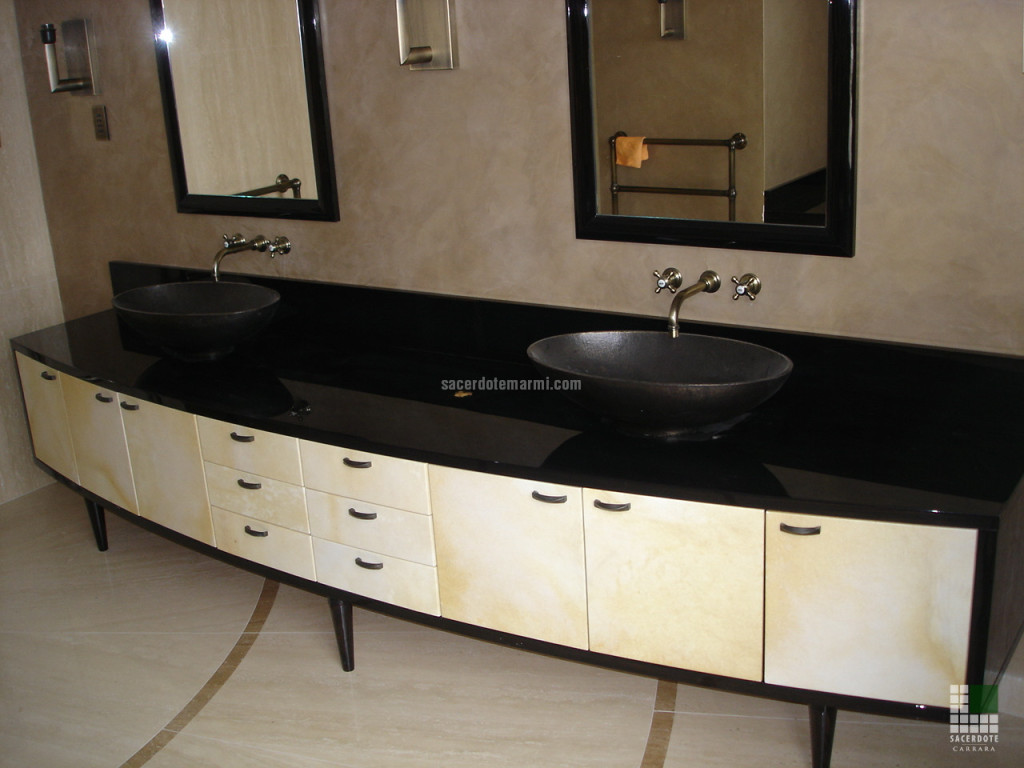 Dallage de salle de bain en Travertin Classique et Travertin Noyer