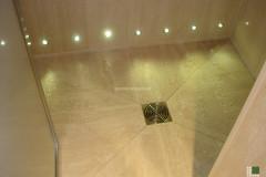 Piatto doccia in Travertino Classico con luci LED
