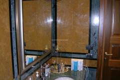 Bagno in Verde Acquamarina e marmo Giallo Dorato