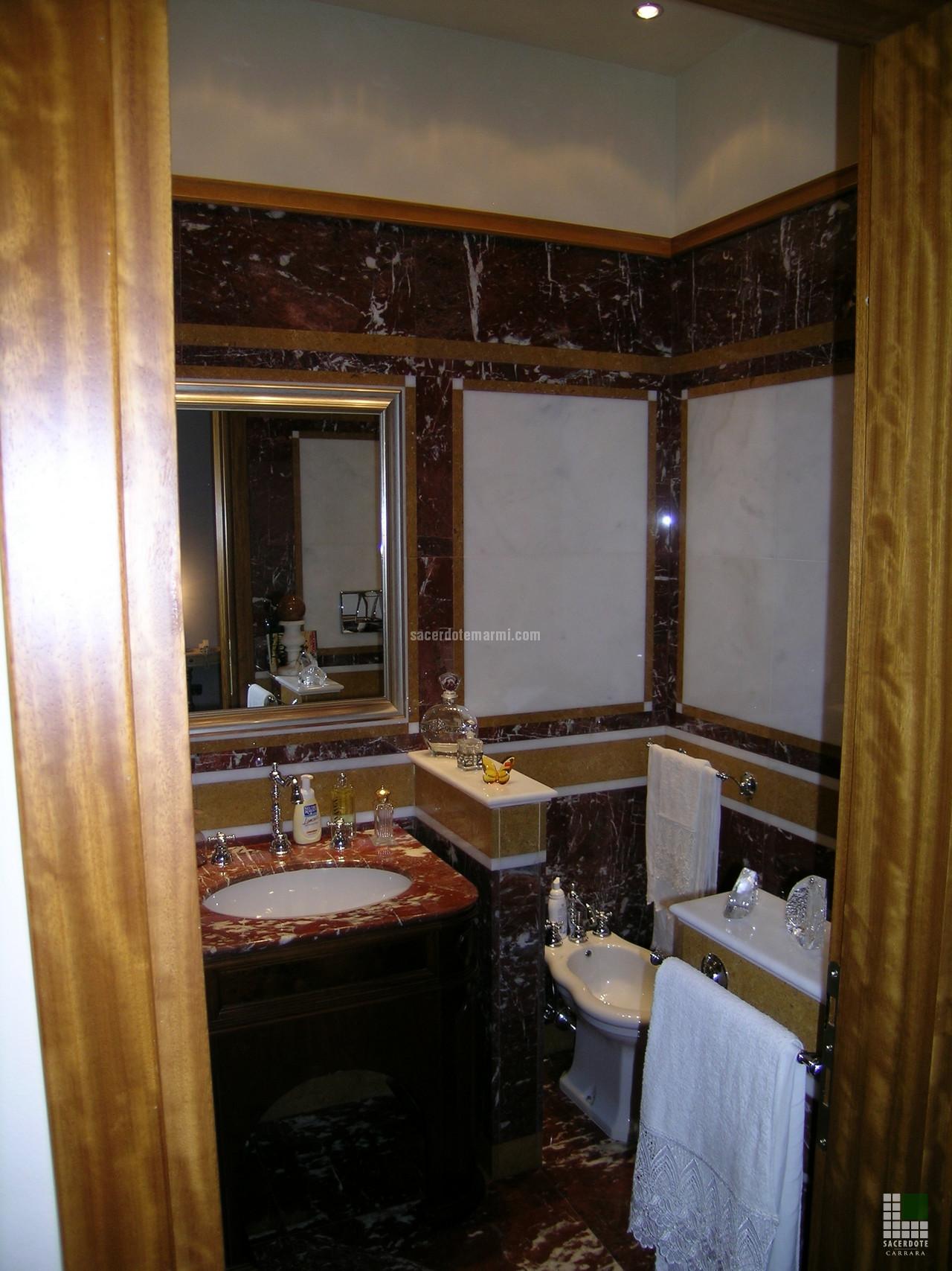Bagni residenza roma sacerdote marmi carrara - Bagno marmo bianco ...