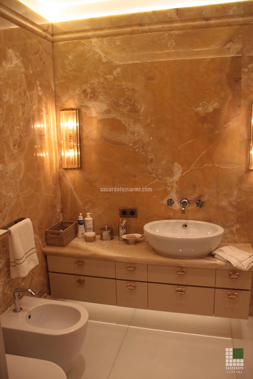 Escaliers salles de bain et dallage en marbre dans une villa monte carlo - Salle de bain marbre blanc ...