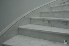 Scala in marmo Bianco Statuario