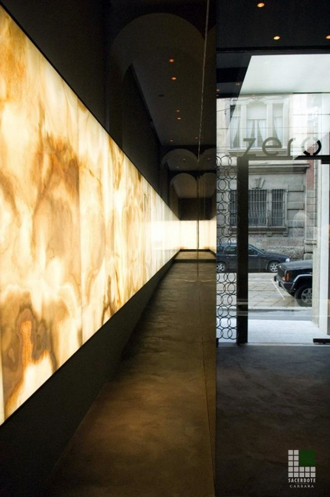 Backlit wall realised with White Onyx