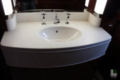 Particolare lavabo in pietra Limestone