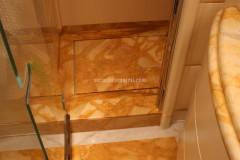 Piatto doccia in marmo Giallo Siena