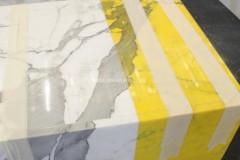 Detail der Färbung vom Bianco Statuario Marmor
