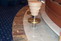 Pavimento bar in marmo Palissandro e Salomè