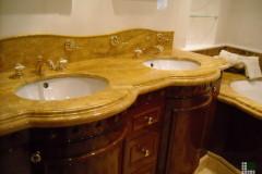 Top lavabo in Travertino Giallo Persiano