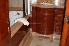 Bagno in marmo Beige Tala e Breccia Pernice