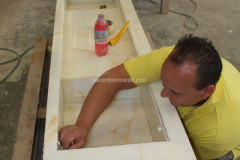 Lavorazione del lavabo in Onice Bianco