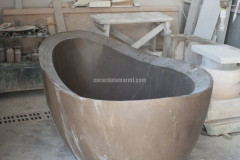 Bathtub realised with Bronze Amani marble