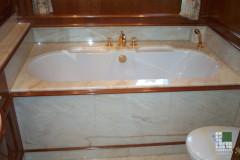 Rivestimento vasca in Afyon Dorato