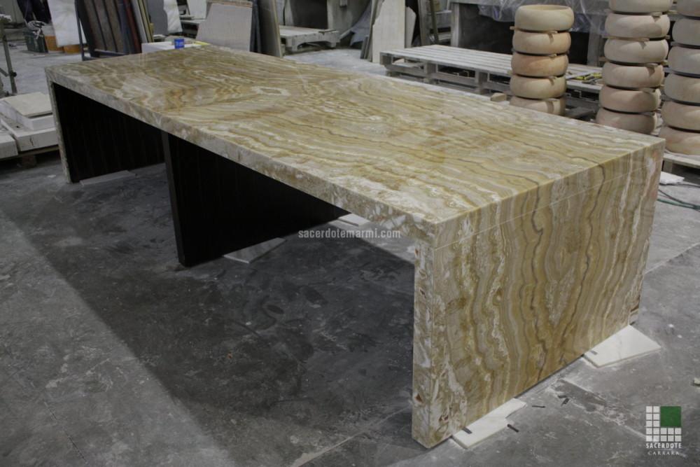 Camini e tavoli in marmo - SACERDOTE MARMI - Carrara - Lavorazione marmo