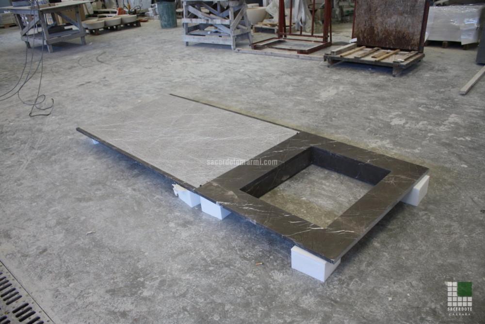 rivestimento camino in marmo : Rivestimento camino in marmo Bronze Amani levigato, con finitura ...