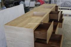 Мебель для ванной из Tравертина Классико с выдвижными ящиками