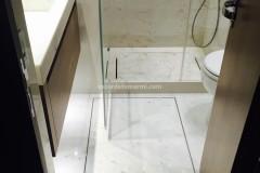 Pavimento e rivestimento parete doccia in Afyon Dorato