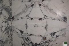 Rivestimento parete in Breccia Capraia a macchia aperta