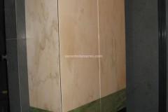 Mobile rivestito in Rosa Portogallo, Verde Ming e marmo Portoro