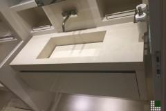 Lavabo per yacht realizzato in Pietra Thala beige