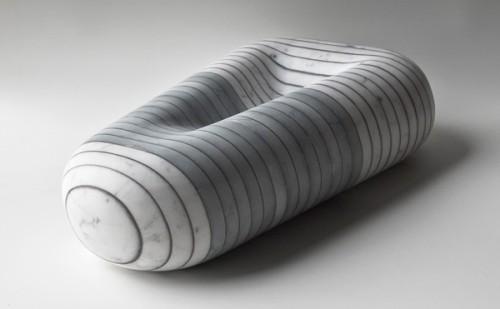 Element aus Marmor von der Sammlung STRATI TEMPORALI