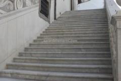 Scala in marmo Bianco Carrara