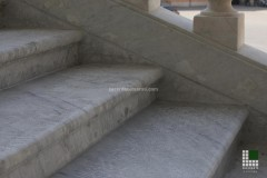 Scala in marmo Bianco Carrara - dettaglio finitura