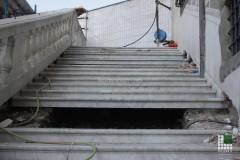 Panoramica della scalinata in marmo Bianco Carrara