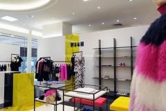 Statuario giallo pigmentato all'interno della boutique